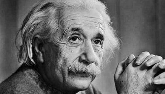 Czy kobiety szukają NAPRAWDĘ inteligentnych mężczyzn?